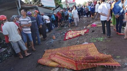 Gia Lai: Xe tải đấu đầu xe khách, 11 người tử vong - ảnh 1