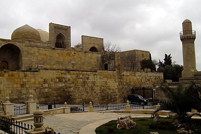 Thành cổ Baku, Cung điện Shirvanshah và tháp Maiden - ảnh 2