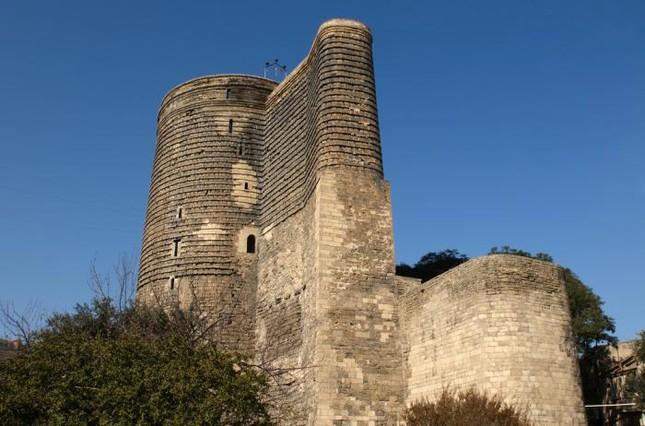 Thành cổ Baku, Cung điện Shirvanshah và tháp Maiden - ảnh 1