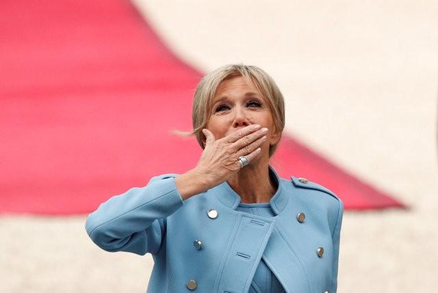 21 phát đại bác cho lễ nhậm chức của Tổng thống trẻ nhất lịch sử Pháp - ảnh 2