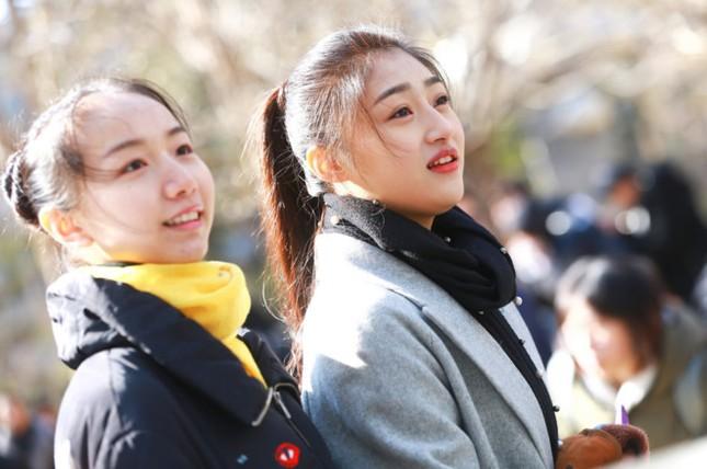 Học viện đào tạo minh tinh Trung Quốc chấn động vì cáo buộc cưỡng dâm - ảnh 1