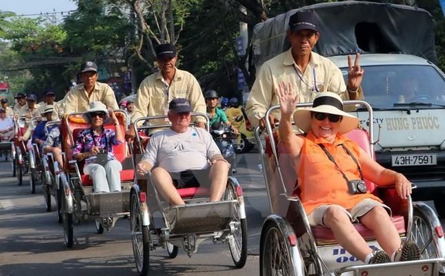 Năm 2017, Việt Nam có khả năng đạt mục tiêu đón 13 triệu khách quốc tế - ảnh 1