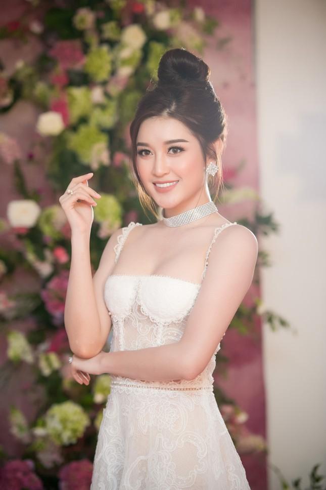 Huyền My: 'Tôi tự tin lọt top 3 Hoa hậu Hòa bình Thế giới 2017' - ảnh 1