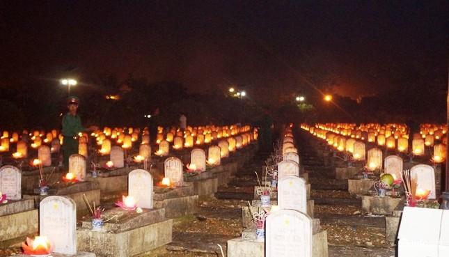 Xúc động Đại lễ cầu siêu các anh hùng, liệt sỹ tại Nghĩa trang Quốc tế Việt Lào - ảnh 9