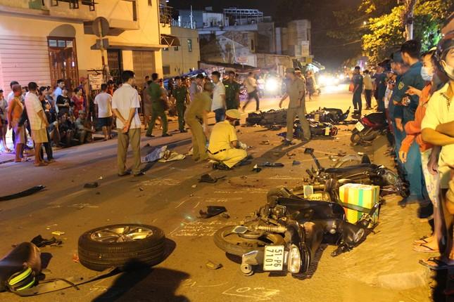TP HCM: 13 xe tông liên hoàn, 2 người chết - ảnh 3