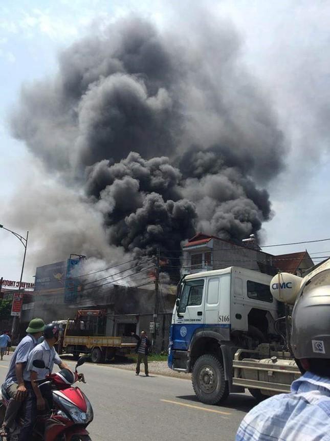 Cháy lớn tại một xưởng thép huyện Hoài Đức, ít nhất 8 người tử vong - ảnh 1
