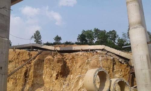 Dầm cầu cao tốc Hạ Long - Vân Đồn bất ngờ bị gãy - ảnh 1