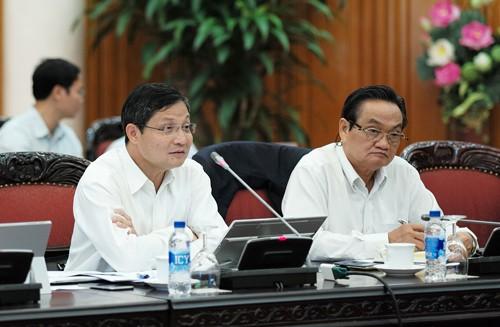 Thủ tướng làm việc buổi đầu tiên với Tổ tư vấn kinh tế - ảnh 2