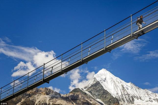 Cầu treo đi bộ dài nhất thế giới mở của đón du khách - ảnh 6