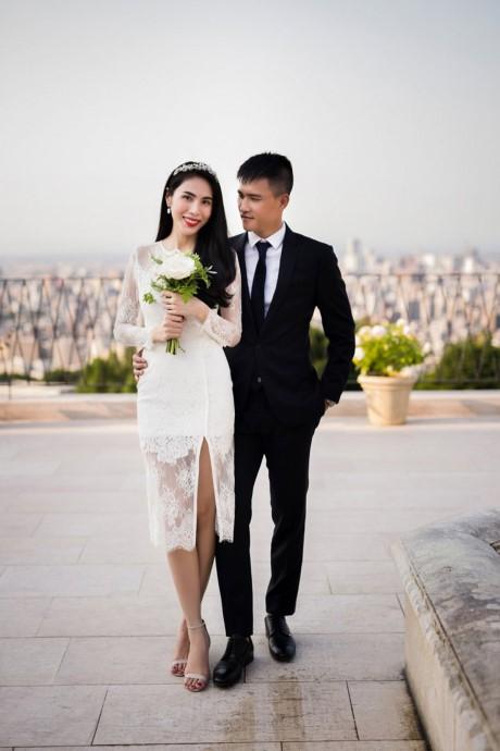 """Ảnh cưới """"đốn tim"""" người hâm mộ của Thuỷ Tiên – Công Vinh - ảnh 1"""