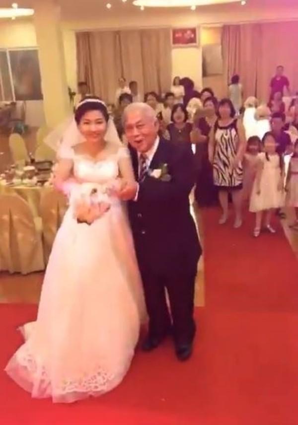 Cô gái ngoài 20 cưới cụ ông U70 gây sốt Hải Phòng - ảnh 1
