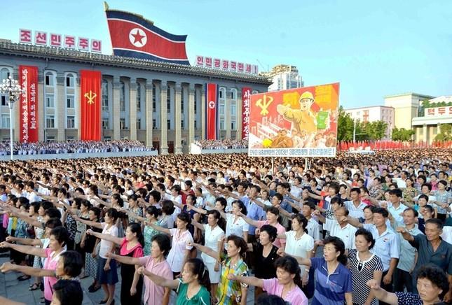 Biển người Triều Tiên phản đối lệnh trừng phạt của Liên Hợp Quốc  - ảnh 3