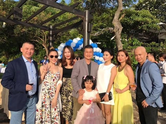 Mỹ Tâm, Hari Won dự đám cưới của đạo diễn Nguyễn Tranh ở Vũng Tàu - ảnh 1