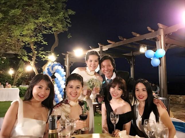 Mỹ Tâm, Hari Won dự đám cưới của đạo diễn Nguyễn Tranh ở Vũng Tàu - ảnh 5