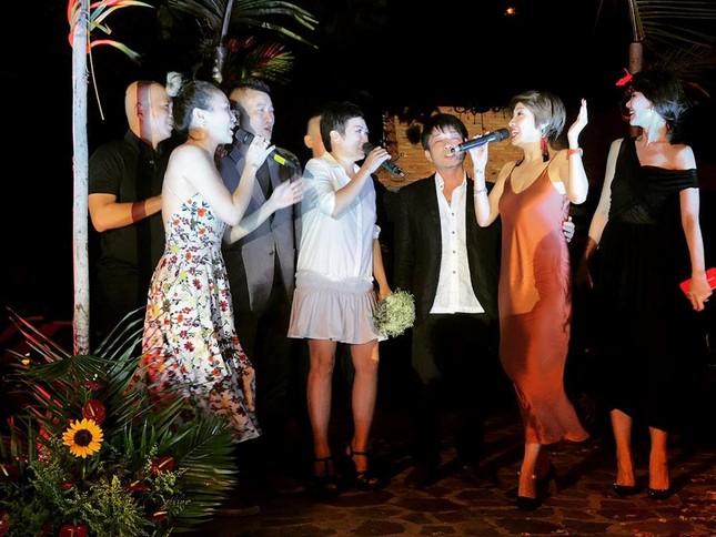 Mỹ Tâm, Hari Won dự đám cưới của đạo diễn Nguyễn Tranh ở Vũng Tàu - ảnh 6
