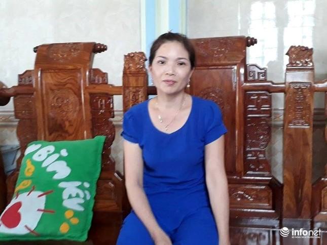 Thanh Hóa: Hàng loạt vợ cán bộ xã