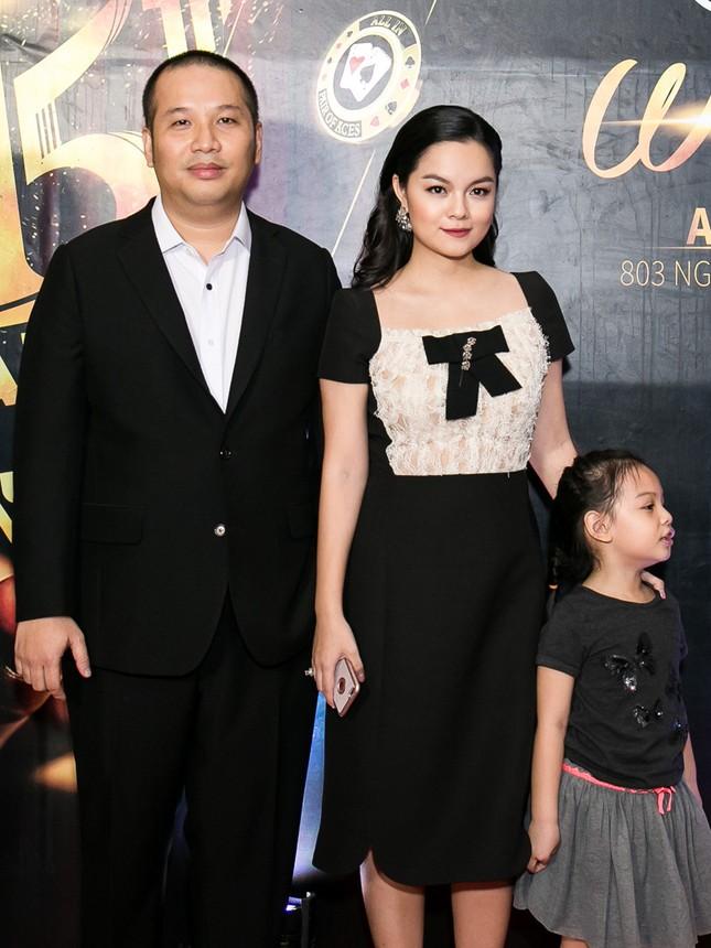 Vợ chồng ca sĩ Phạm Quỳnh Anh kỷ niệm 15 năm thành công ty - ảnh 1
