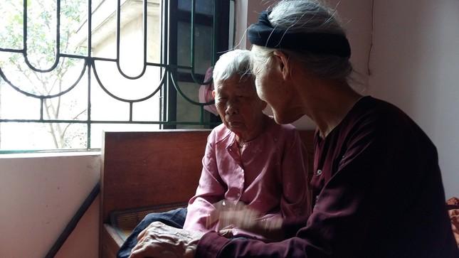 Những cụ già thèm… nói chuyện - ảnh 1