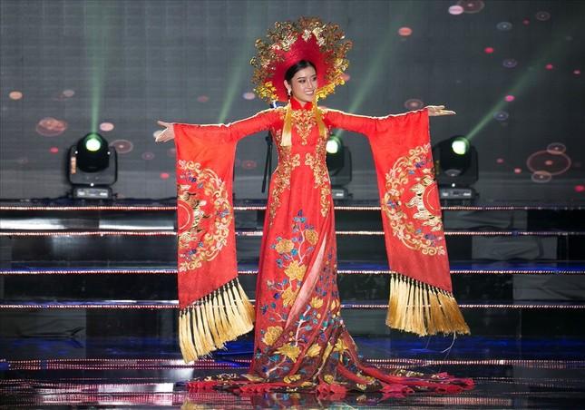 Huyền My lộng lẫy trong vòng thi đầu tiên Hoa hậu Hòa bình Thế giới - ảnh 3