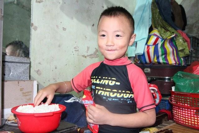 Hà Nội: Người phụ nữ 29 tuổi đẻ sòn sòn 8 con sau 12 năm kết hôn  - ảnh 2