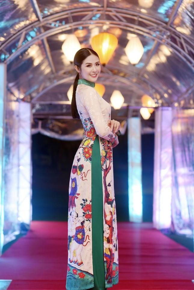 Ngọc Hân cùng dàn người đẹp diễn áo dài tại tiệc chào mừng APEC - ảnh 7