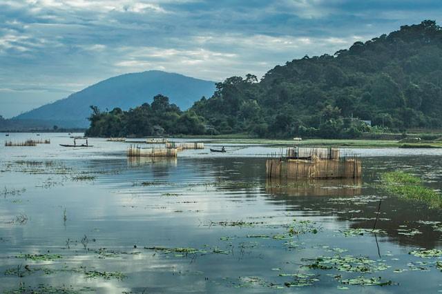 Việt Nam đẹp lung linh qua ống kính của nhiếp ảnh gia Pháp - ảnh 13