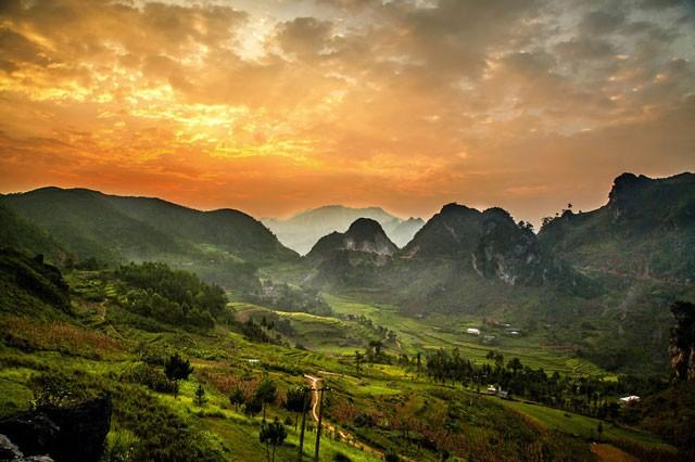 Việt Nam đẹp lung linh qua ống kính của nhiếp ảnh gia Pháp - ảnh 1