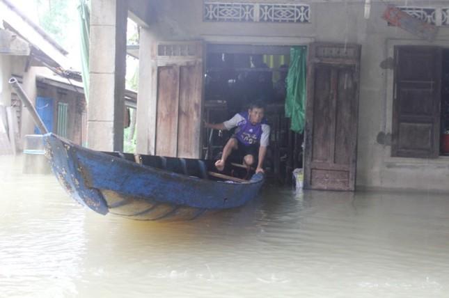 Mưa lớn 4 ngày, trung tâm Quảng Nam ngập sâu - ảnh 3