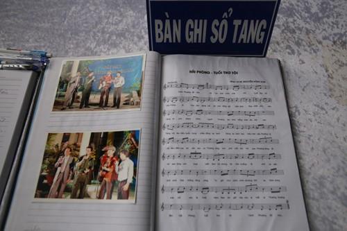 Gia đình, đồng nghiệp tiễn biệt nghệ sĩ Quang Lý trong giai điệu 'Thuyền và biển'  - ảnh 10