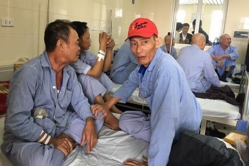 Người dân vây Bộ trưởng Y tế vì bức xúc bệnh viện K  - ảnh 1