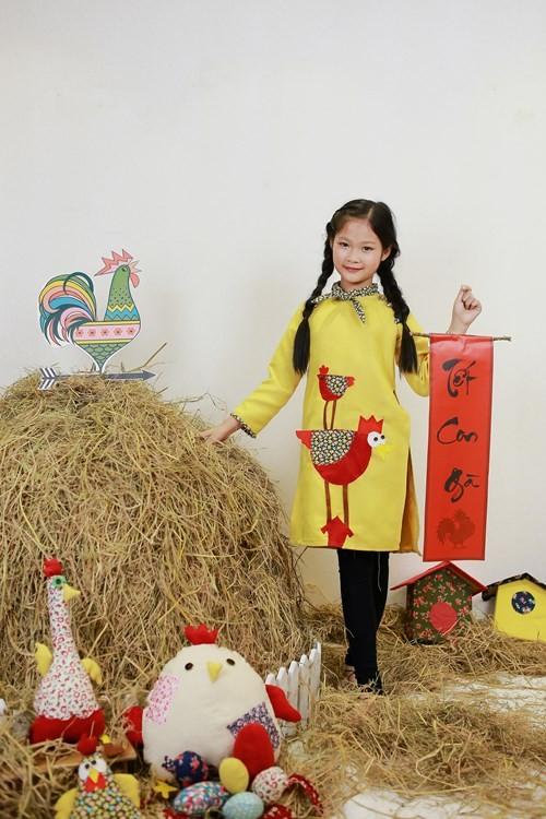 BST áo dài con gà dành riêng cho bé năm Đinh Dậu - ảnh 1