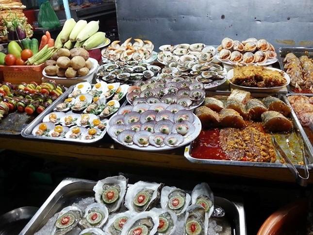 10 chợ đêm Việt Nam tấp nập du khách  - ảnh 8