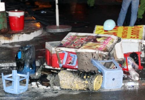 Hơn 40 xe bị thiêu rụi trong vụ cháy cây xăng ở Sài Gòn - ảnh 6
