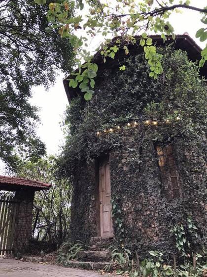 Ba khu nghỉ tách biệt giữa 'rừng' cách Hà Nội chưa đầy 30 km  - ảnh 2