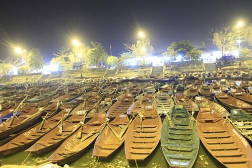 200 công an làm nhiệm vụ ở lễ hội chùa Hương - ảnh 1