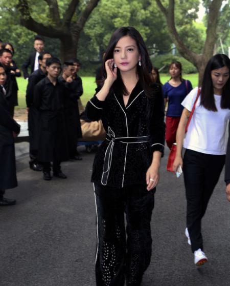 Triệu Vy là sao nữ giàu nhất Trung Quốc với 809 triệu USD - ảnh 1
