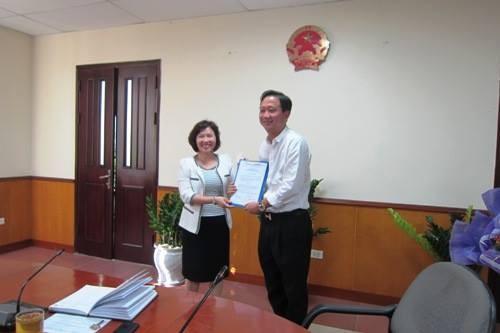 Thứ trưởng Hồ Thị Kim Thoa bị khiển trách - ảnh 1