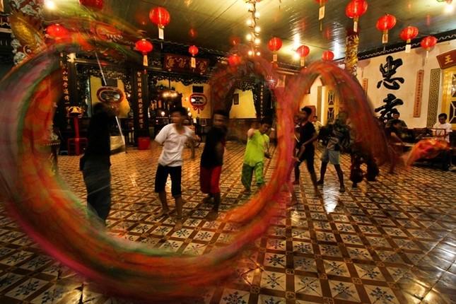 Châu Á trang hoàng đón Tết Đinh Dậu - ảnh 9