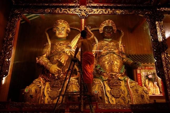 Châu Á trang hoàng đón Tết Đinh Dậu - ảnh 3