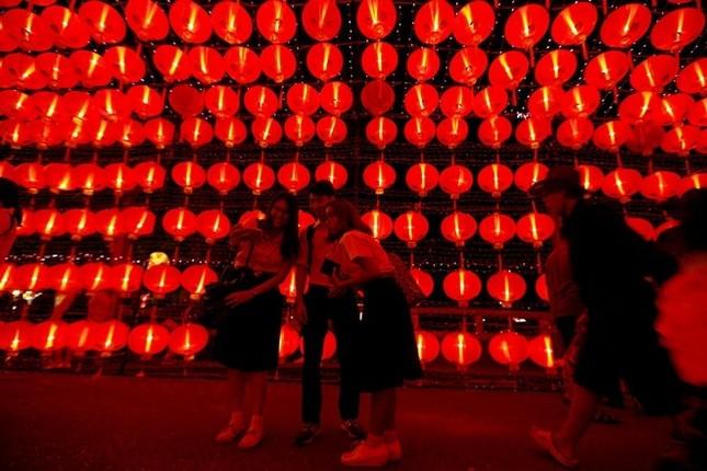 Châu Á trang hoàng đón Tết Đinh Dậu - ảnh 4