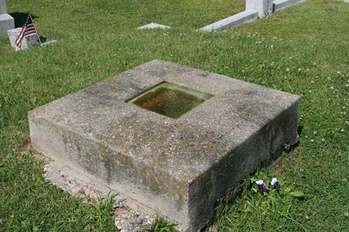 Ngôi mộ nhìn thấy người chết ở Mỹ - ảnh 1