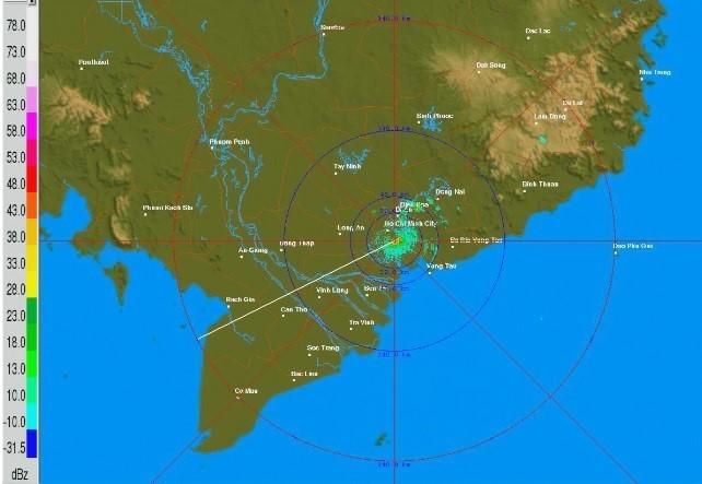 Cảnh báo dông sét, tố lốc và gió giật mạnh ở Sài Gòn - ảnh 1