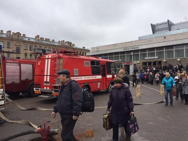 Nổ ở ga tàu điện ngầm St. Petersburg, 10 người thiệt mạng - ảnh 1