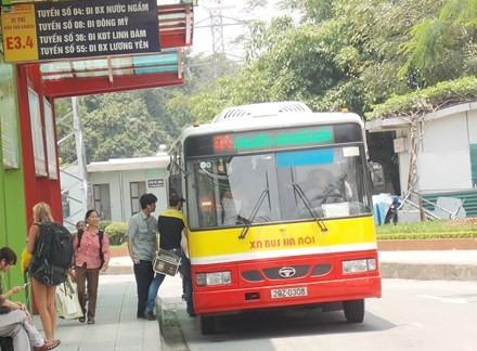 Hà Nội có thêm 2 tuyến buýt chạy ra ngoại thành - ảnh 1