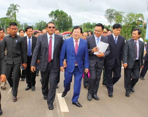Việt Nam - Campuchia thông xe cặp cửa khẩu thứ 6 - ảnh 1