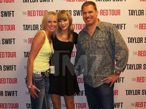 Taylor Swift thắng vụ kiện bị sàm sỡ, nhận 1 USD tiền đền bù - ảnh 1