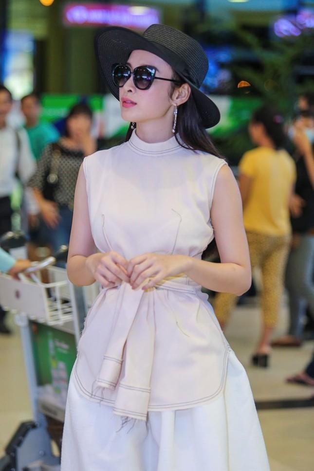 Angela Phương Trinh thân mật với bạn trai Võ Cảnh ở sân bay - ảnh 3