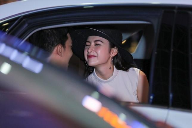 Angela Phương Trinh thân mật với bạn trai Võ Cảnh ở sân bay - ảnh 8