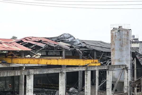 Hiện trường tan hoang sau vụ nổ lò hơi làm 8 người thương vong - ảnh 2