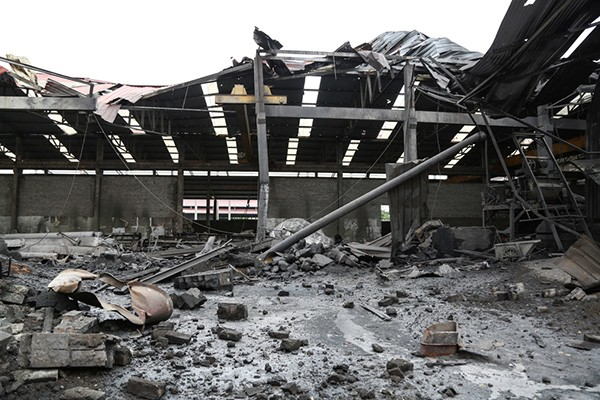 Hiện trường tan hoang sau vụ nổ lò hơi làm 8 người thương vong - ảnh 4